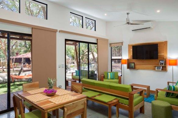 EcoCasita Living Area Dining Low2